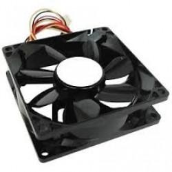 Cooler 8 x 8 cm para gabinetes con enchufe para fuente negro (Cod:4517)